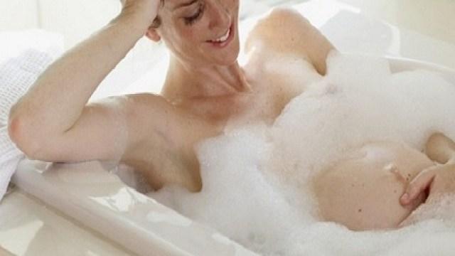 Prevenzione in gravidanza con forever living dalle smagliature - Donne che vanno in bagno a cagare ...